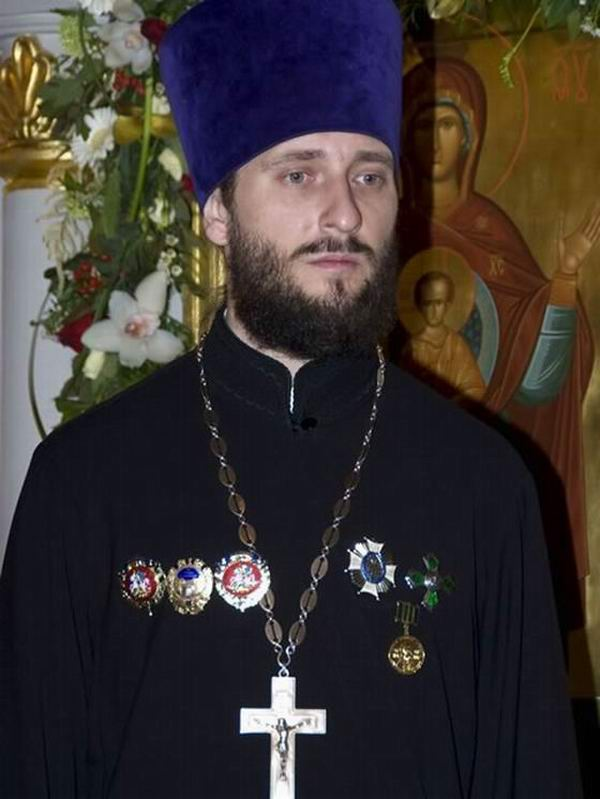 04-Иерей-ныне-протоиерей-Михаил-Егоров2